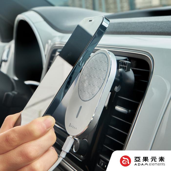 【亞果元素】OMNIA C2 車用磁吸充電器黑