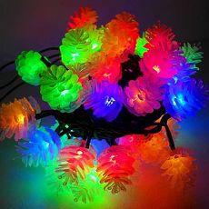 【摩達客】(預購3~5天出貨)聖誕燈裝飾燈LED50燈松果燈造型燈(彩光黑線)(插電式/附控制器跳機)