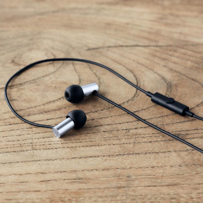 日本 Final E2000CS 耳道式耳機 銀色