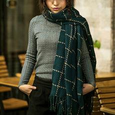 幸福揚邑》韓版冬季經典百搭情侶粗毛線格子加長披肩圍巾-綠