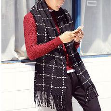 幸福揚邑》韓版冬季經典百搭情侶粗毛線格子加長披肩圍巾-黑