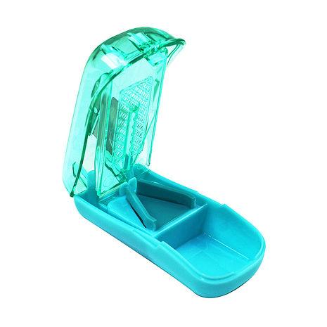 金德恩 不鏽鋼刀片隱藏式切藥器/SGS原料認證/攜帶式-兩色可選綠色